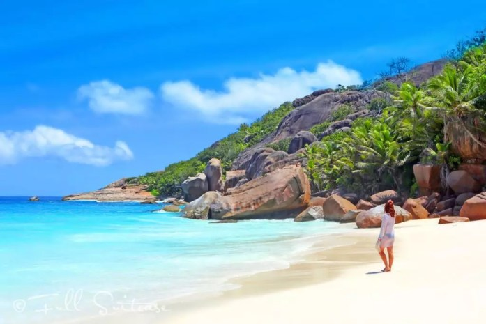 Jurga - Full Suitcase - Seychelles