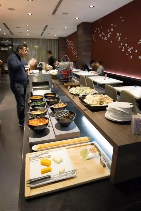 WESTGATE Hotel Taipei buffet breakfast