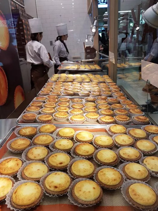 Kinotoya Bake cheese tart, what to eat in sapporo, best food in sapporo, sapporo must eat, hokkaido famous food, best time to visit hokkaido, south hokkaido itinerary, what to do in hokkaido