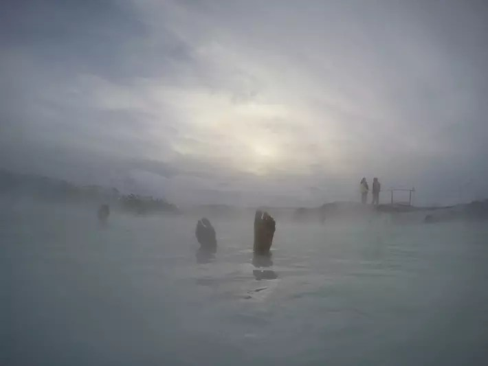 Blue-Lagoon Iceland snow