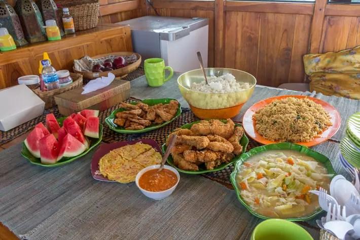 food-on-board phinisi boat labuan bajo; things to do in labuan bajo