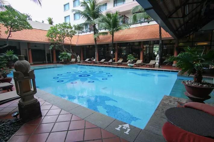 PARKROYAL Saigon swimming pool