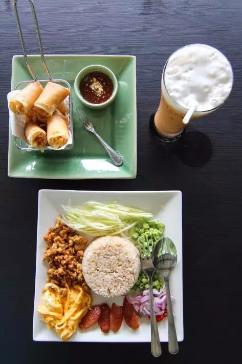 anurak community lodge khao sok national park thai food
