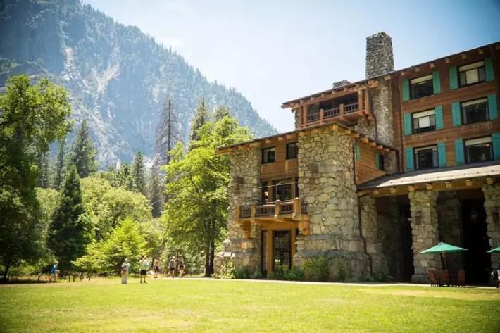 Majestic-Yosemite-Hotel-Awahnee-Lawn