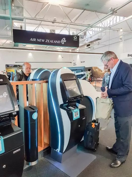 air new zealand flight economy class check in auckland