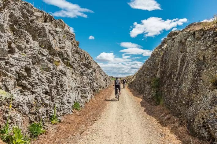 bicycle cycling otago central rail trail, new zealand