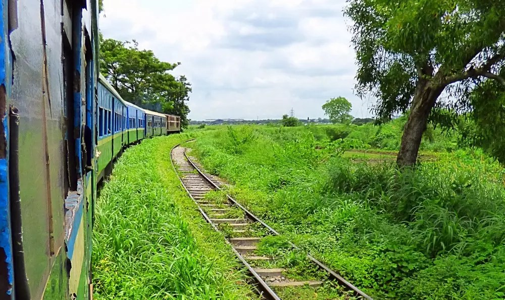 yangon train, Myanmar