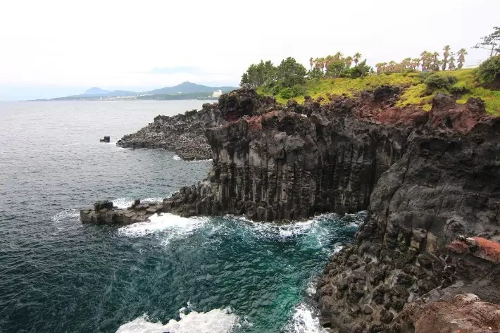 Jusangjeolli (columnar joint), Daepo Jusangjeolli Cliff (주상절리대(대포동지삿개)) , things to do in jeju island; what to do in jeju island, jeju island attractions