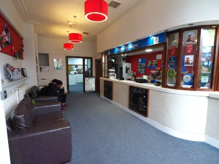 glasgow hostel reception, hostelling scotland, scotland itinerary