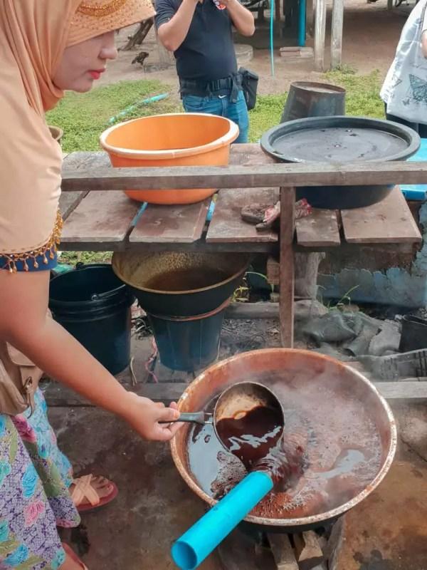 koh klang thailand krabi plates food delicious cooking muslim hijab