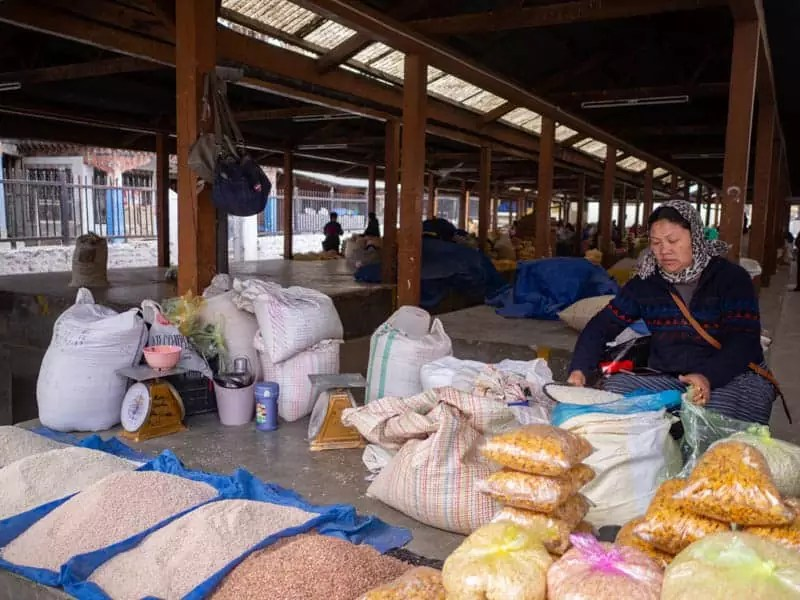 Local-selling-rice-at-the-market-what-to-eat-in-bhutan