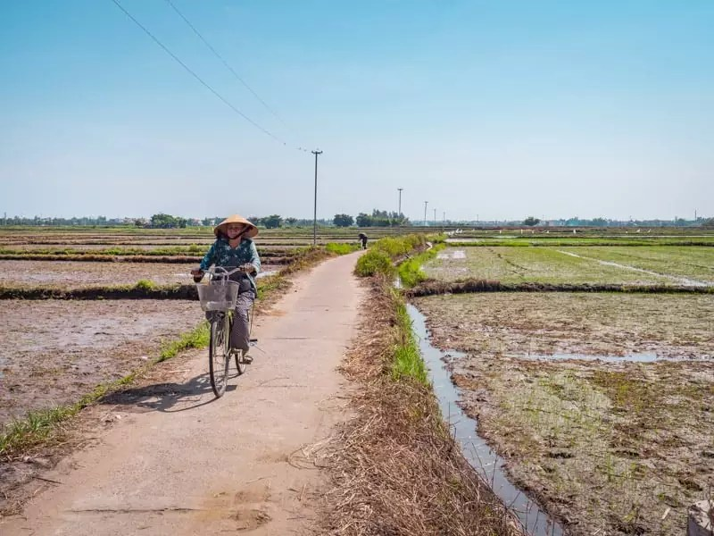 cycling-tour-Things-to-do-in-Hoi-An-Vietnam