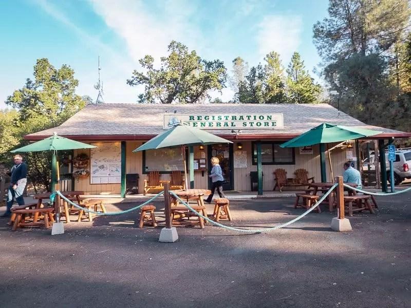 yosemite-pines-general-store-where-to-stay-things-to-do-around-Yosemite-National-Park-Tuolumne-California