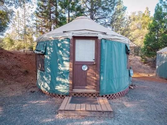 yurt-yosemite-pines-where-to-stay-things-to-do-around-Yosemite-National-Park-Tuolumne-California