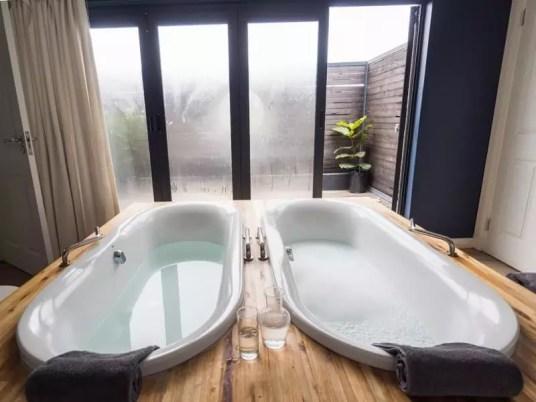 luxury couple spa bathtub, Brahman-Hills-South-Africa