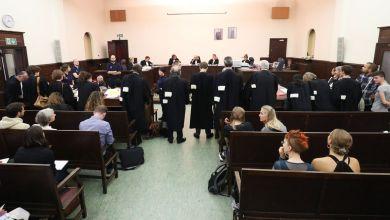 """صورة تم تأجيل محاكمة """"إيواء المهاجرين"""" إلى مارس 2021"""