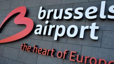 صورة مطار بروكسل يوزع أقنعة على الركاب