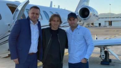 Photo of مودريتش يصل موناكو للفوز بجائزة القدم الذهبية