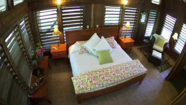 Chan Chich Lodge is deep in the belizean jungle