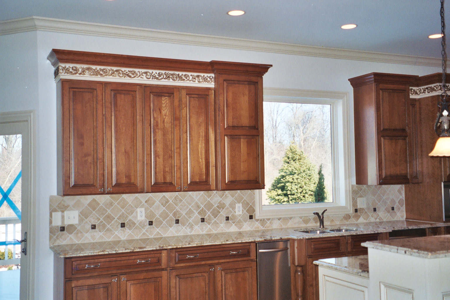 where to end kitchen backsplash tiles