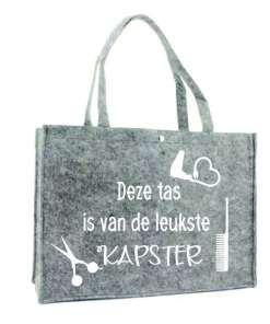 Boodschappen tas - Kapster Wil jij een cadeau geven aan de liefste kapster? Deze tas is echt handig voor alle spullen die ze mee slepen moet!