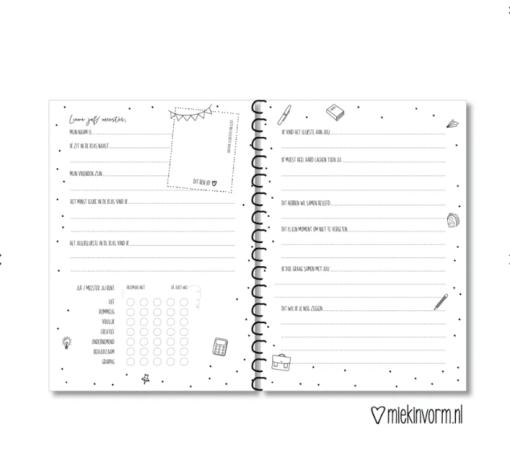 Invulboek    De klas van juf/meester  Gepersonaliseerd met naam - Einde schooljaar cadeau - Cadeau juf of meester - Juffendag cadeau