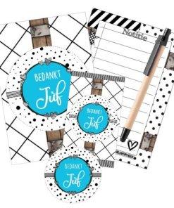 Cadeau set - Juf setje blauw met stipjes met - Notitieblokje - Kaart + Pen Super leuk cadeau setje om te geven aan de juf, Notitie boekje - Kaart - Pen en leuke sticker Verpakt in een leuk doorzichtig zakje
