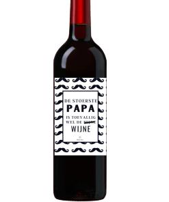 Wijn Wijn etiket Stoerste Papa Ben jij op zoek naar een leuk cadeautje voor een papa ? Geef deze gepersonaliseerde wijn cadeau Ook te bestellen als alleen een etiket, zodat je zelf een wijntje uit zoeken kan.