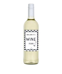 Wijn Wijn etiket Wine o'clock Ben jij op zoek naar een leuk cadeautje voor een iemand ? Geef deze gepersonaliseerde wijn cadeau Ook te bestellen als alleen een etiket, zodat je zelf een wijntje uit zoeken kan.
