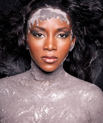 https://i2.wp.com/www.bellanaija.com/wp-content/uploads/2010/07/Genevieve-Nnaji-for-MUD-Cosmetics-Exclusive-Bella-Naija001.jpg?resize=335%2C400