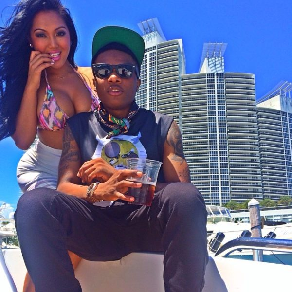 I hear say; Wizkid's Fans Slams him for Not Featuring Dark Skinned Girls in new Video