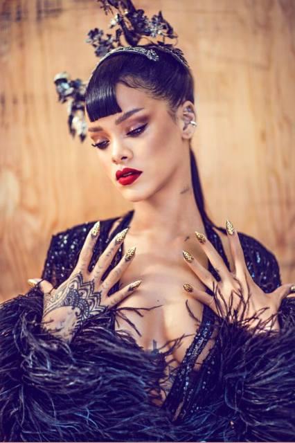 Rihanna-Harpers-Bazaar-China-Photo BN 4