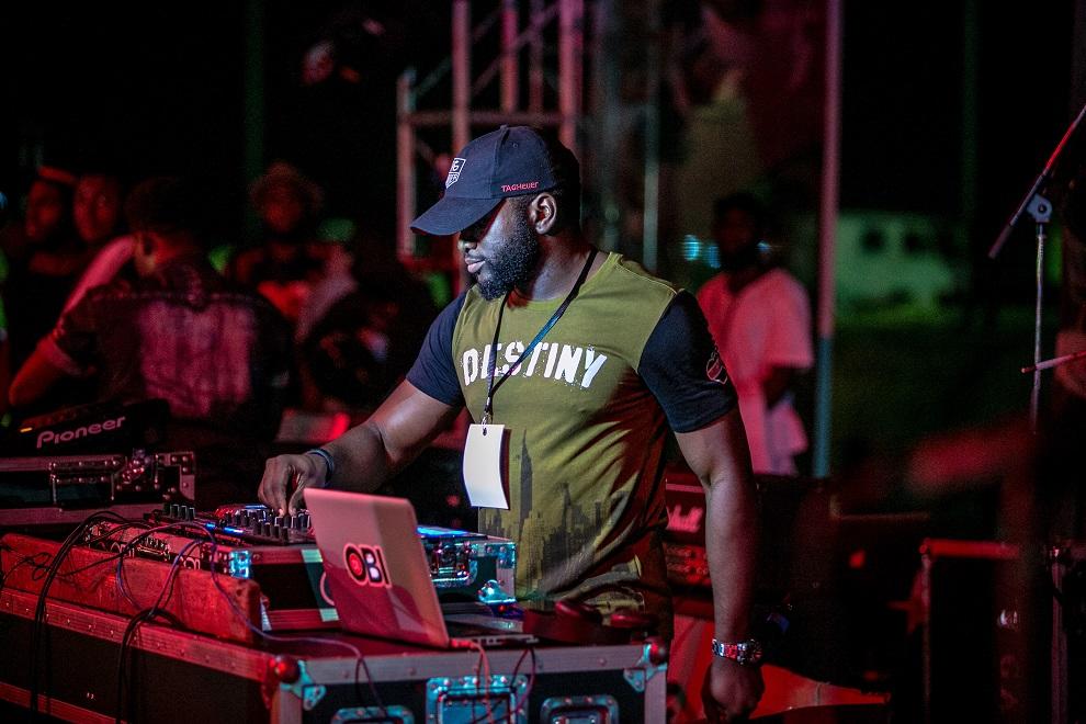 DJ OBI on the #HeiinekenGidiFest stage