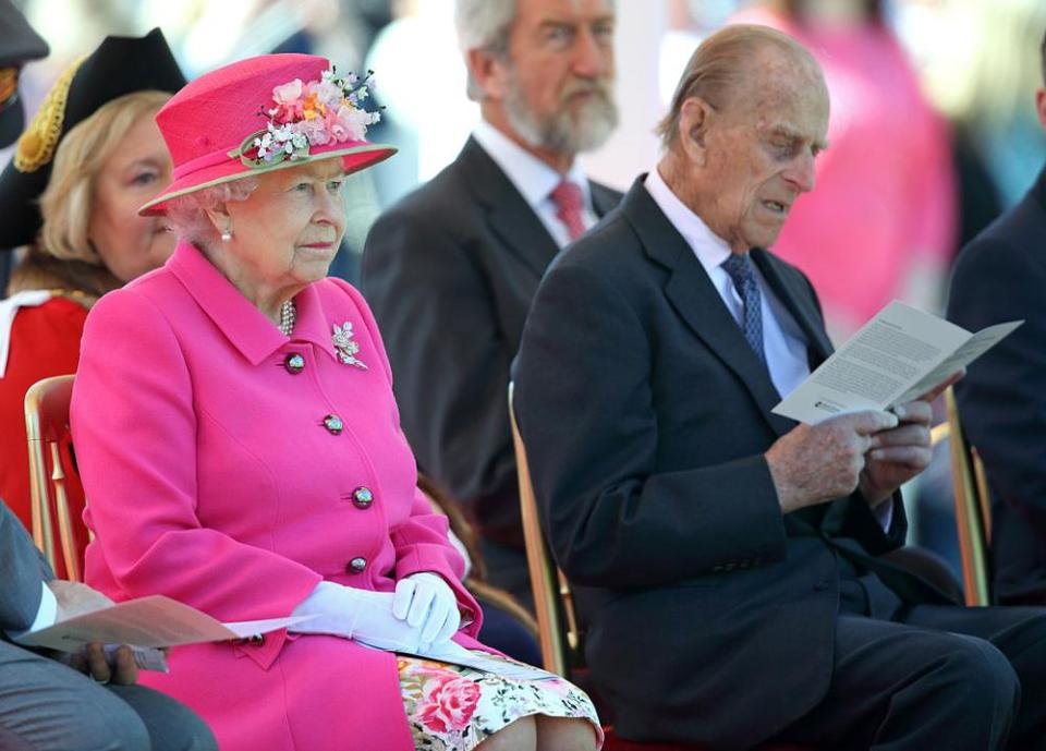 WINDSOR, UNITED KINGDOM - APRIL 20: (EMBARGOED FOR PUBLICATION IN UK NEWSPAPERS UNTIL 48 HOURS AFTER CREATE DATE AND TIME) Queen Elizabeth II and Prince Philip, Duke of Edinburgh attend the opening of the Alexandra Gardens Bandstand on April 20, 2016 in Windsor, England. The Queen and Duke of Edinburgh are carrying out engagements in Windsor ahead of the Queen's 90th Birthday tomorrow. (Photo by Max Mumby/Indigo/Getty Images)