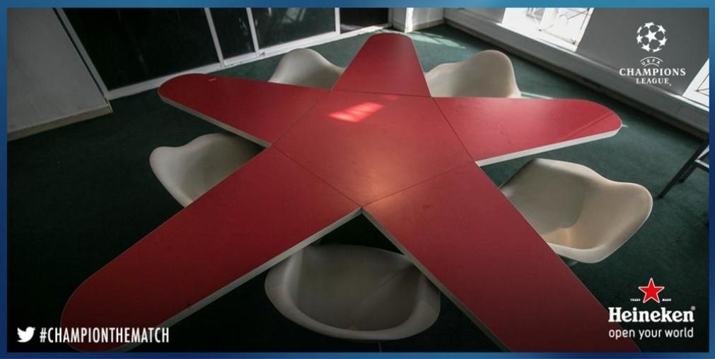Heineken Star Table Set