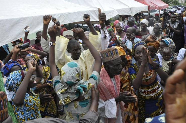 pic.Parent And 21 Freed Adopected Chibok Girls Dancing During TheThanks Giving Service in Abuja on sunday (16/10/16). 7734/16/16/2016/ OTU ALBERT/NAN