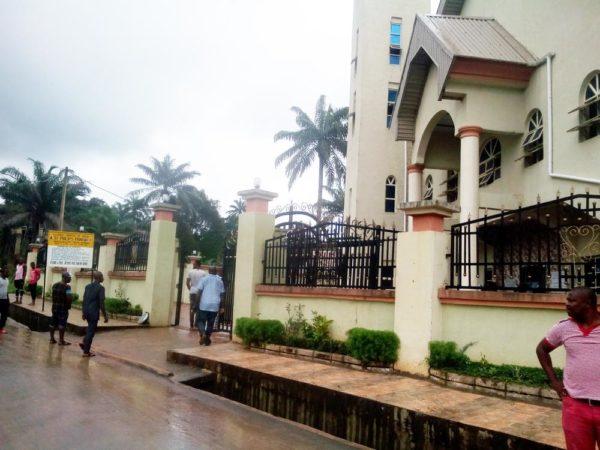 "Police to reportedly Deploy 500 Policemen as Alleged target of Ozubulu Massacre ""Bishop"" Buries Father - BellaNaija"