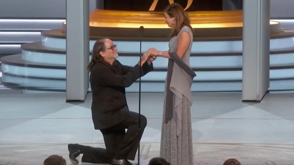 The moment Glen Weiss proposed to his Girlfriend Jan Svendsen during Emmy Award acceptance Speech