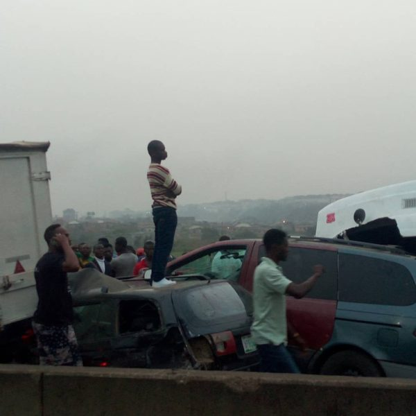 Multiple Car Accident reported on Lagos-Ibadan Expressway | BellaNaija