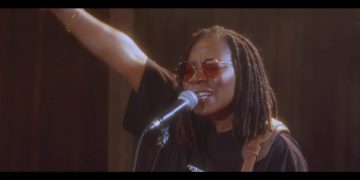 Watch Asa perform Torn Live at Studios Ferber