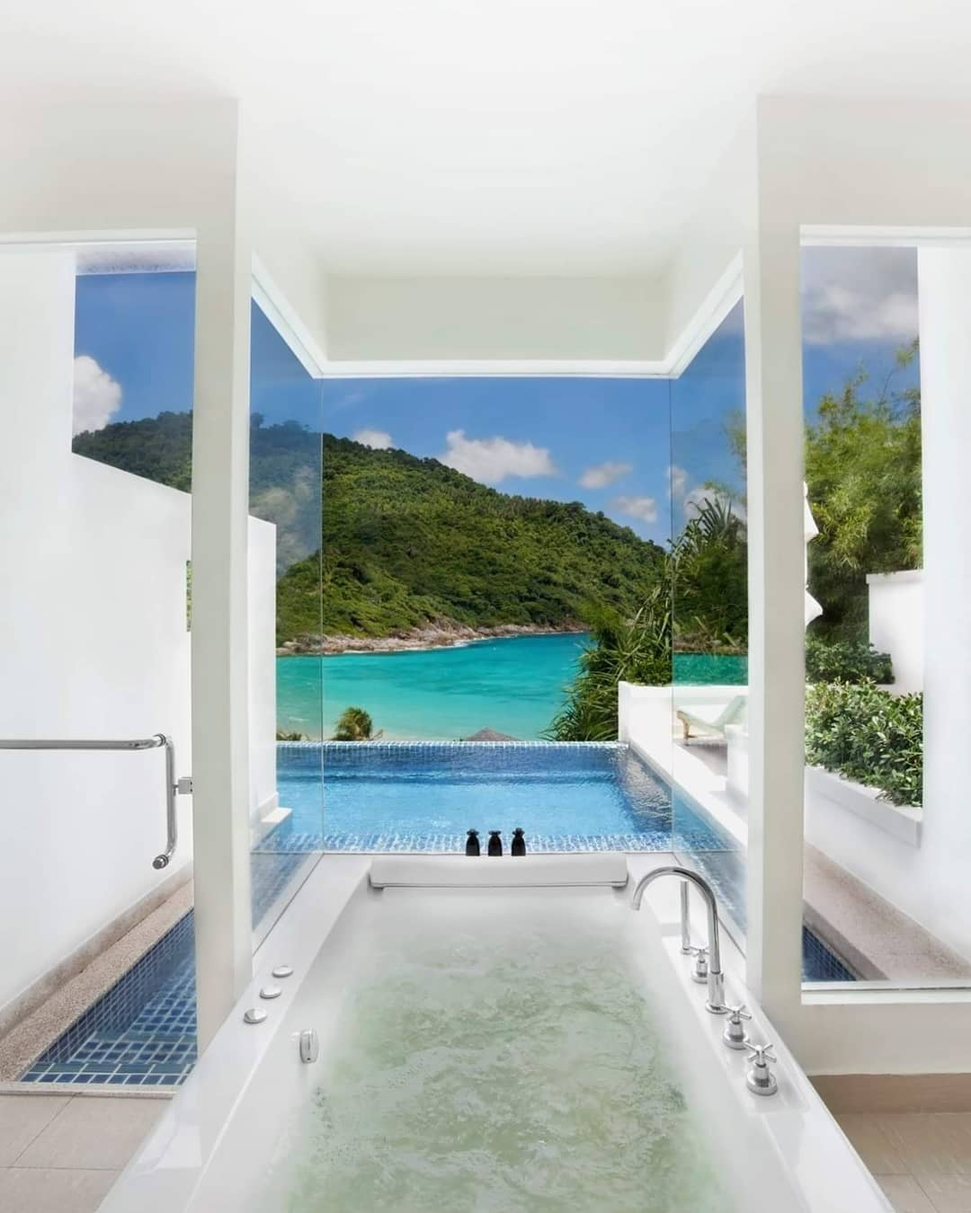 A Baecation in This #BNHoneymoonSpot in Phuket is a Must