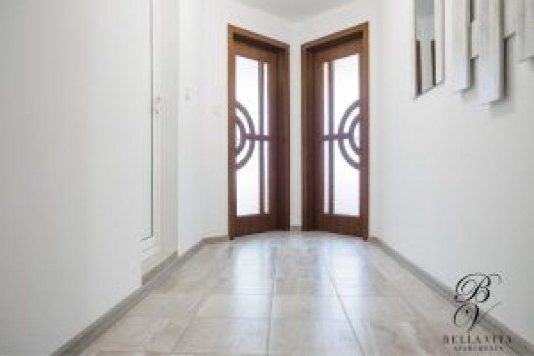Апартамент под наем Благоевград 2018 директно от собственик коридор