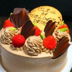 生チョコクリームのデコレーションケーキ