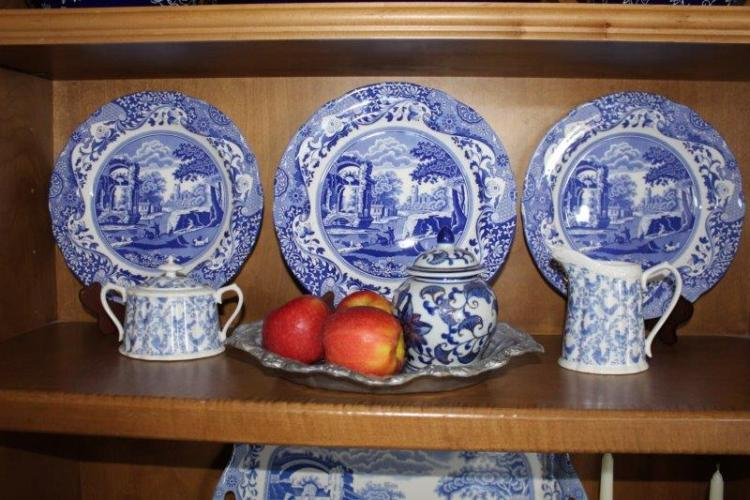 BLUE AND WHITE IN THE KITCHEN