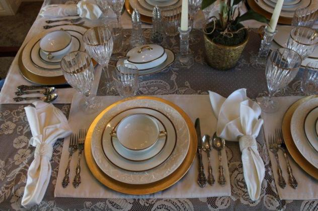 Belle Bleu Interiors Elegant Tablescape 10