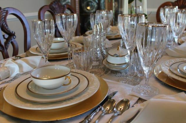 Belle Bleu Interiors Elegant Tablescape 5