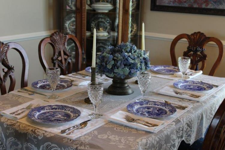 BLUE ITALIAN TABLESCAPE