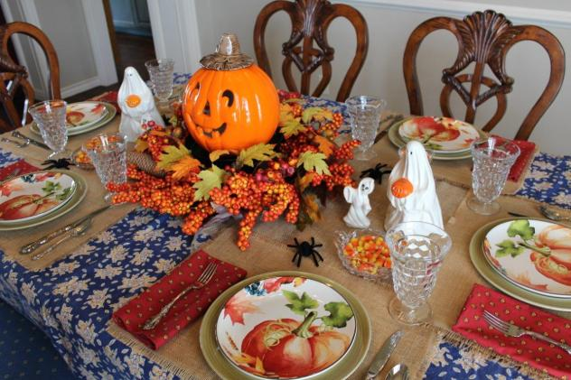 Belle Bleu Interiors-A Sweet and Spooky Halloween Table 11