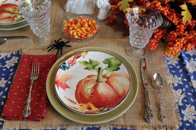 Belle Bleu Interiors-A Sweet and Spooky Halloween Table 3