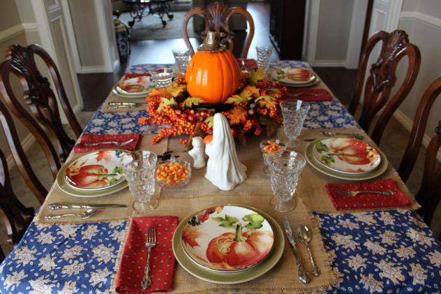 Belle Bleu Interiors-A Sweet and Spooky Halloween Table 7